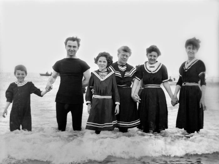 Denizci İlhamlı Yüzme Elbiseleri