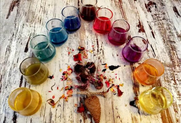 Kafe Bengisu: İzmir'de Çay ve Sanatın Tüm Renkleri