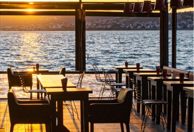 Leyla Gastro Pub: Ayvalık'ta Gizli Kalmış Bir Vaha