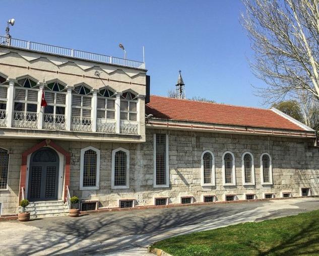 Narlıkapı Surp Hovhannes Kilisesi