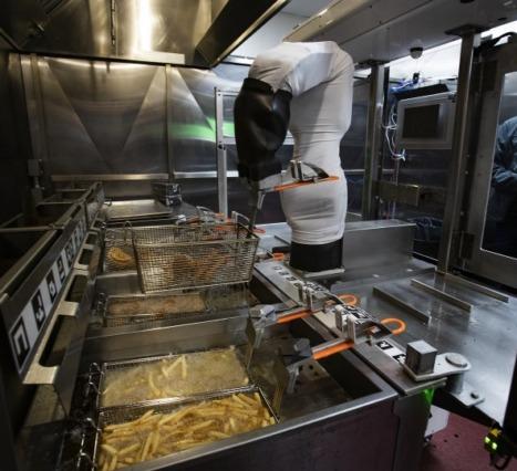 Flippy: Burgerlerinizi Hazırlayacak Robot Şefle Tanışın