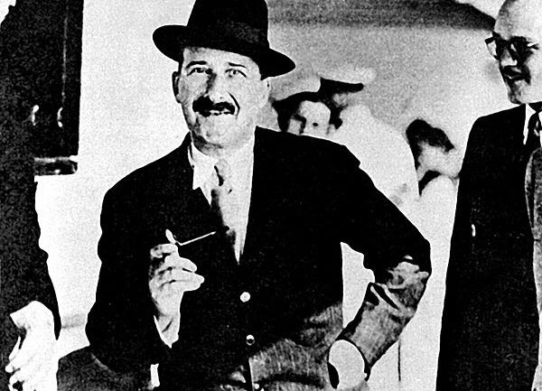 Stefan Zweig'ın Ölümü: Tutsak Bir Hayatın Özgür Sonu