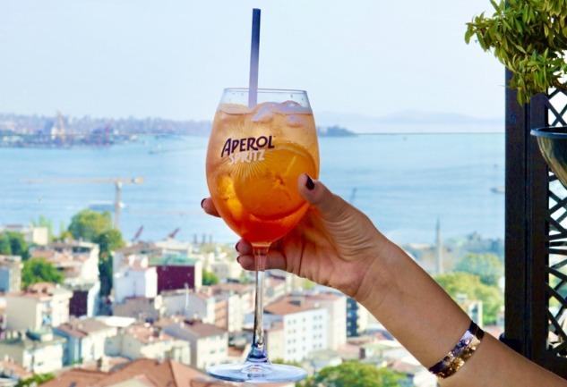 Divan Brasserie Beyoğlu: Enfes Manzara ve Lezzet Bir Arada