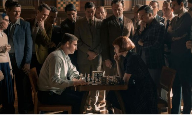 The Queen's Gambit: Satranç ve Bağımlılık Üzerine Bir Dizi