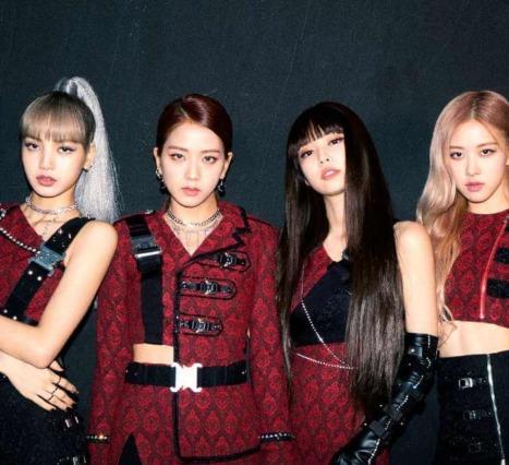 Blackpink: Light Up the Sky: K-Pop Şarkıcı Olma Süreci Üzerine Bir Netflix Belgeseli