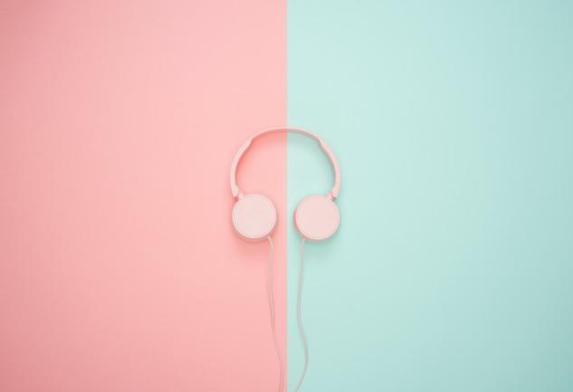 Podcastler: Neden Popüler ve Hangilerini Dinleyelim?