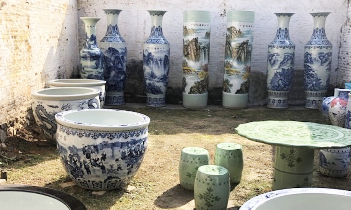 Devasa porselen vazolar