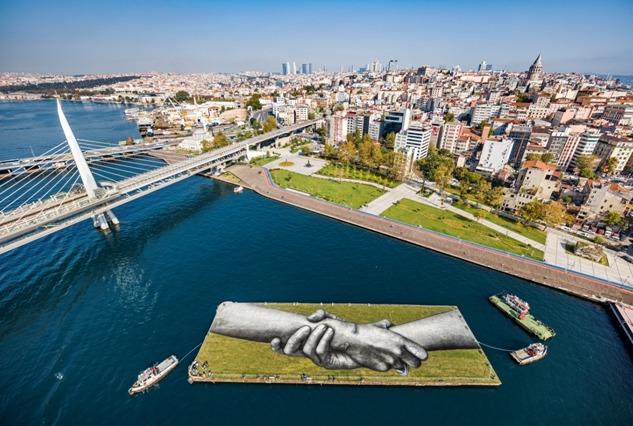 SAYPE ve Beyond Walls Projesi: Kenetlenen Eller İstanbul'da