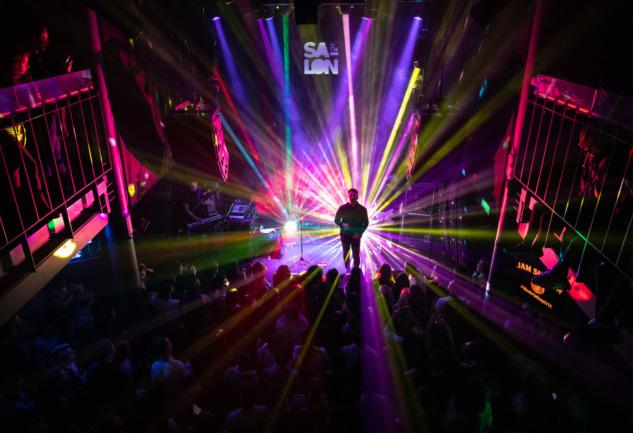 Jam Session Salon İKSV'de: Müziğin Birleştiren Gücü Evinizde