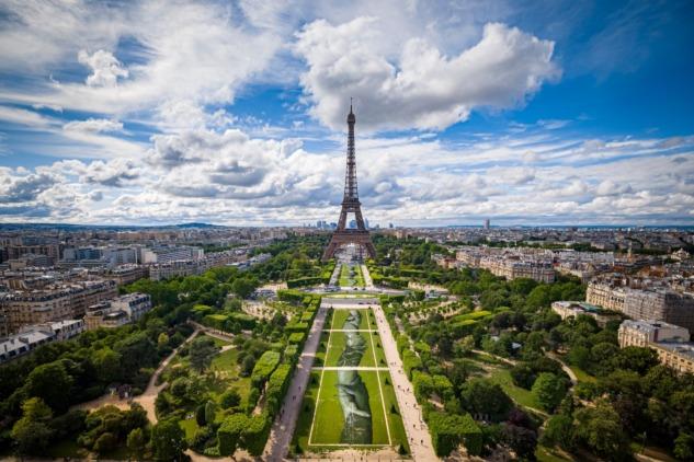 Paris'te Beyond Walls