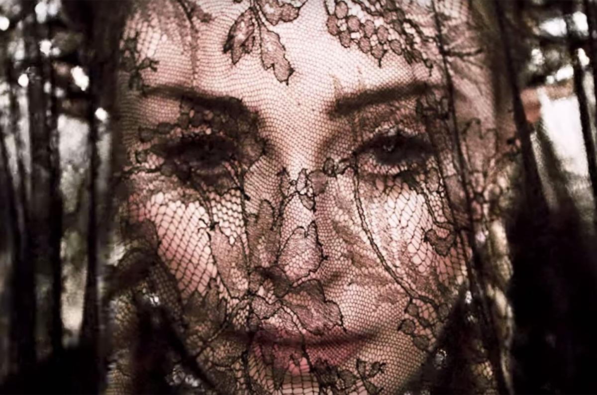 Madame X, Dark Ballet