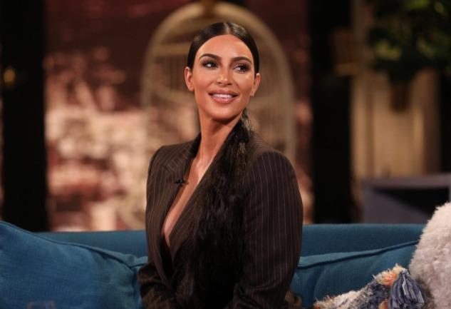 Kim Kardashian: Neden Tartışmalı ve Neden Yargılanıyor?