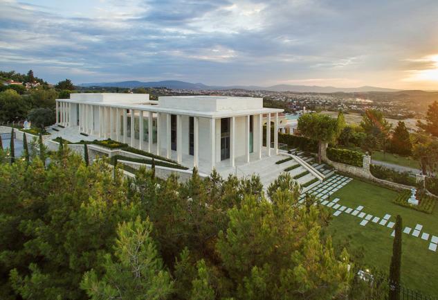 Arkas Sanat Urla: Mimarisi ve Eserleri ile Dikkat Çeken Müze