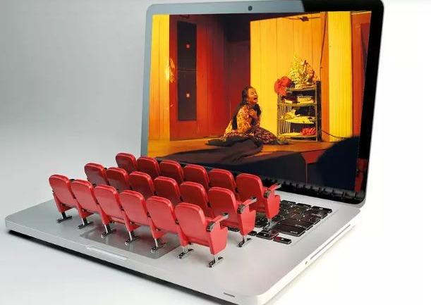 Tiyatroda Yeni Normal: Sahne Tozu Dijital Platformlarda