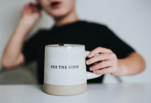 Pozitif Psikoloji: Yaşamla Başa Çıkmak için 4 Özellik