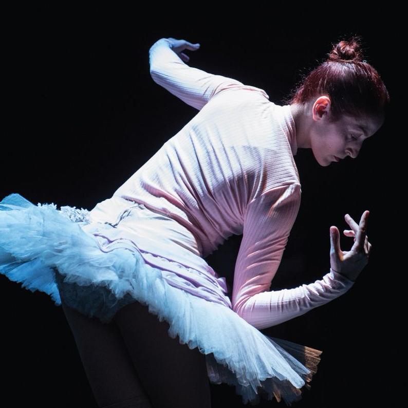 Moda Sahnesi: Sahneden Naklen - Balerin