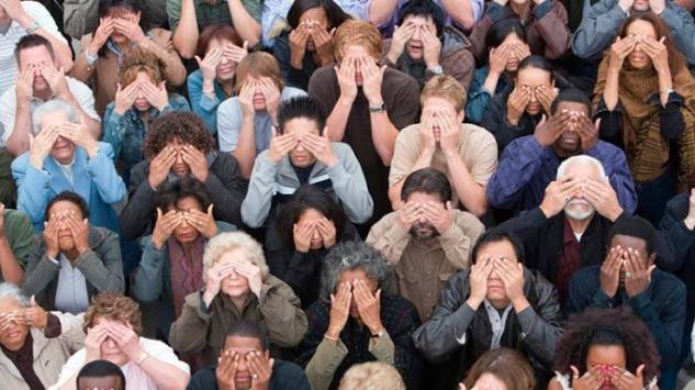 Bystander Effect (Seyirci Etkisi): Topluluk İçinde Çaresiz