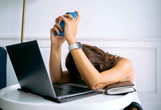 Dijital Tükenmişlik: Başa Çıkmak İçin 5 Yöntem