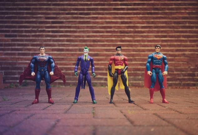 Alter Ego Etkisi: İçinizdeki Süper Kahramanı Dışarı Çıkarın!