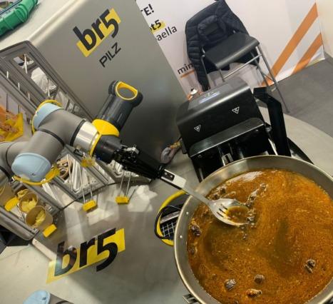 Yeni Paella Şefiniz Bir Robot: Be a Robot 5 ve Mimcook İş Birliği