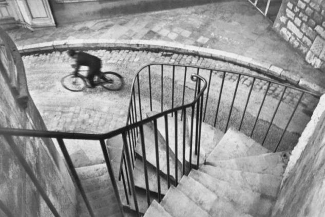 henri-cartier-bresson-escaleras
