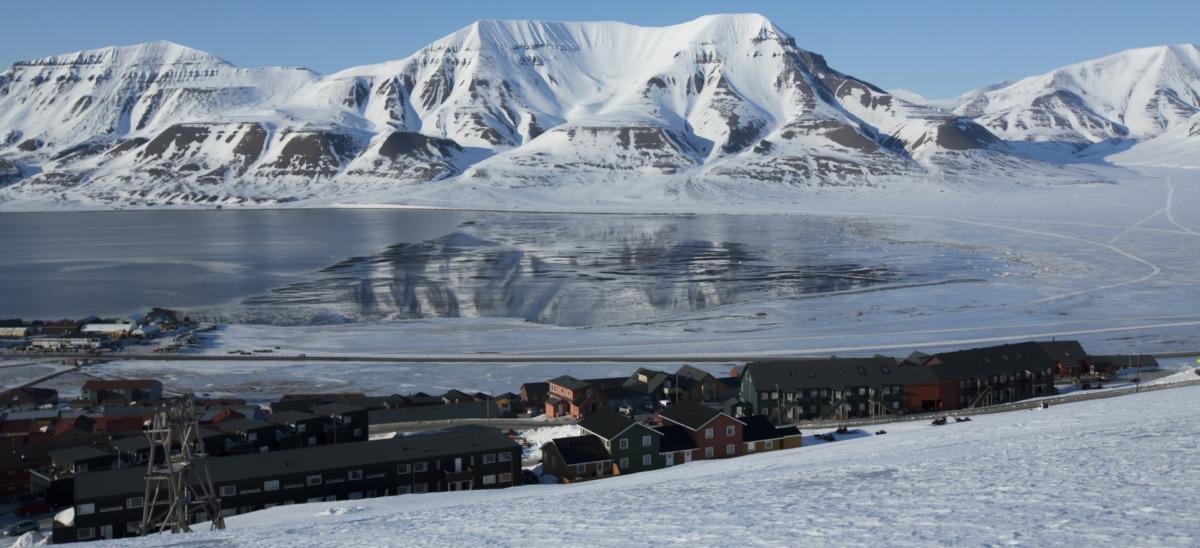 SALT Online - Longyearbyen, a Bipolar City