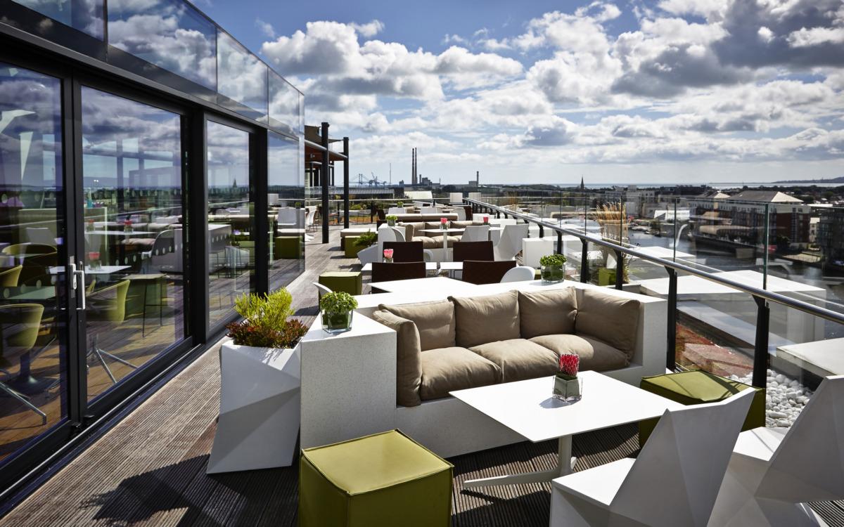 dublin'de yaz - marker hotel rooftop bar