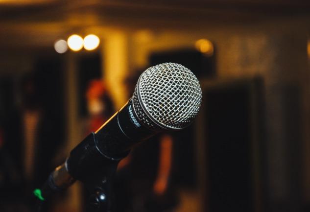 Komedi ve Ruh Sağlığı: Çünkü Mecburen Devam