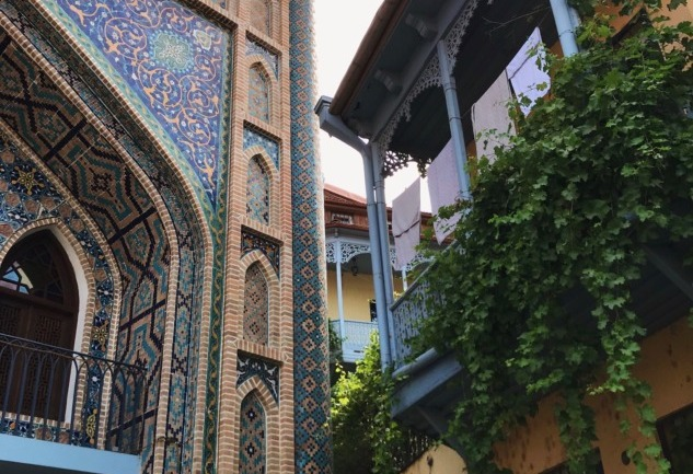 Tiflis Notları: Sürprizlerle Dolu Şehre Bir Bakış