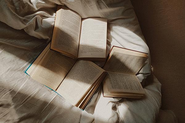 Çağdaş Yunan Edebiyatından: Bir Solukta Okunacak Üç Eser