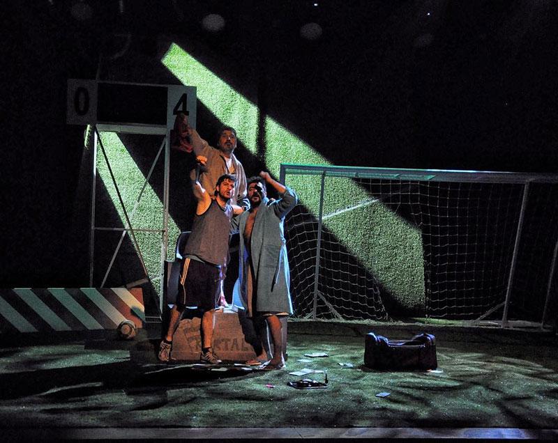 KüçükÇiftlik Bahçe Tiyatrosu - Üçü Bir Arada