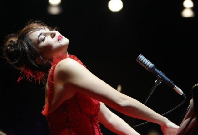 Karsu Dönmez: Caz Müziğin Güçlü Sesini Yakından Tanıyın