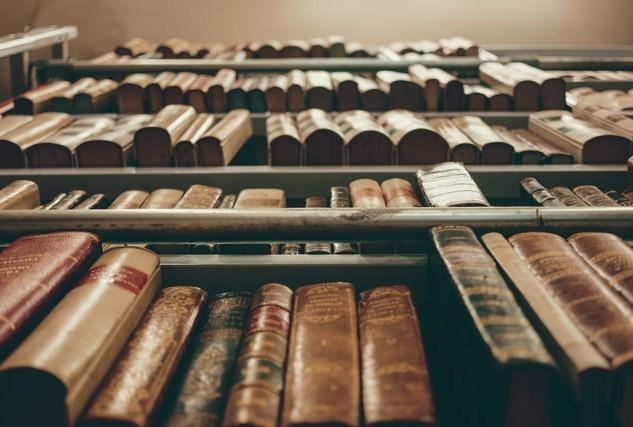 Biblioterapi: Kitapların Terapi Gücüne Kulak Verin