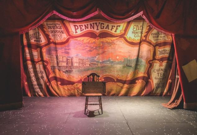 Tiyatro Rehberi: Bir Delinin Hatıra Defteri ve Daha Fazlası